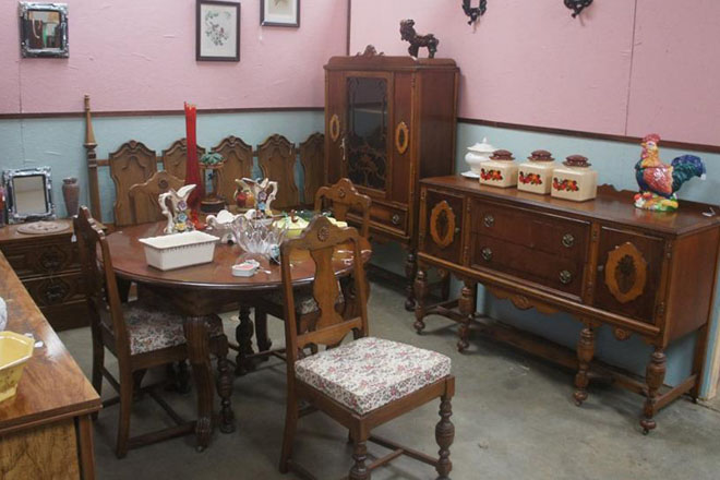 Dave's Antiques