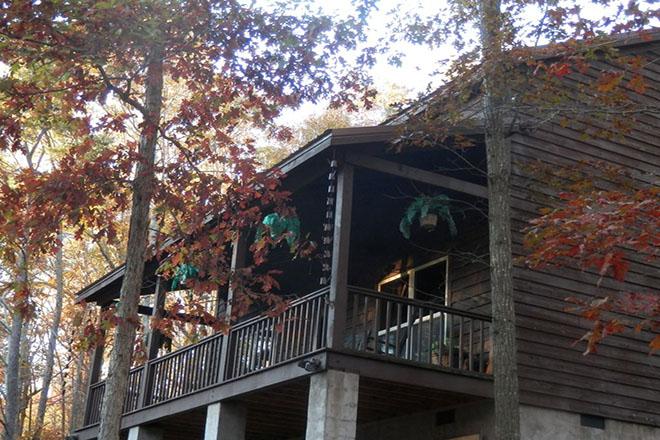 Looneybin Cabin