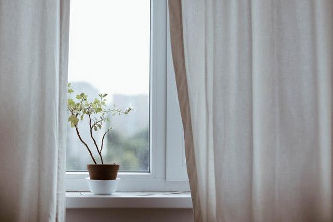 Curtains N' Bath