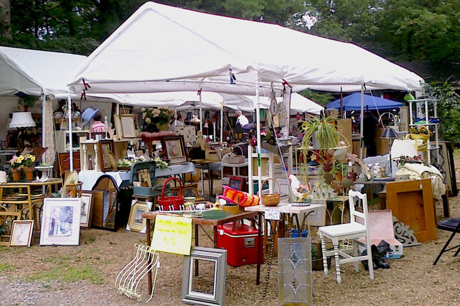 World's Longest Yard Sale - DeKalb County, Alabama