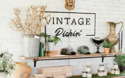 Vintage Pickin Barn Sale